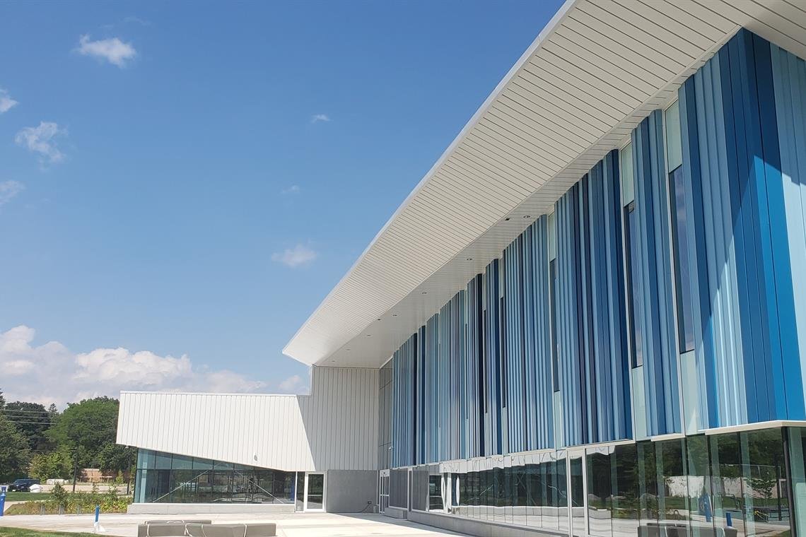 Image of the exterior of the Oakville Trafalgar Community Centre.
